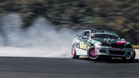 https://www.twin-loc.fr Championnat Européen de DRIFT – Bordeaux Mérignac Gironde 13 et 14 septembre 2014 – BMW M3 – Moteur Engine Puissance Power Car Speed Vitesse Explorer Explore Circuit Champion – Picture Image Photography King of Europe KOE turbo